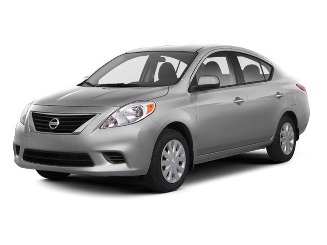 Pre-Owned 2013 Nissan Versa SV